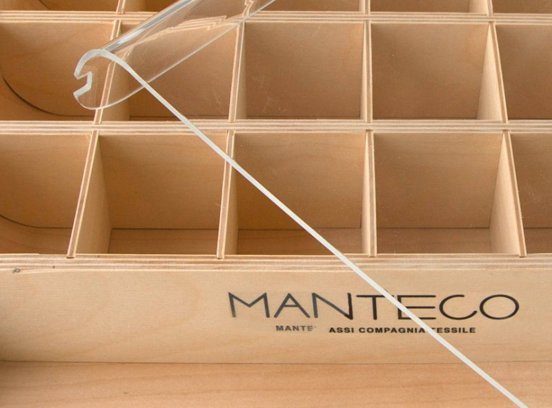 Espositore campioni | Manteco - Centroffset stampa, packaging, grafica